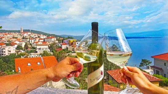 Apartman Nenad s pogledom na more – Vrbnik – Otok Krk – Hrvatska