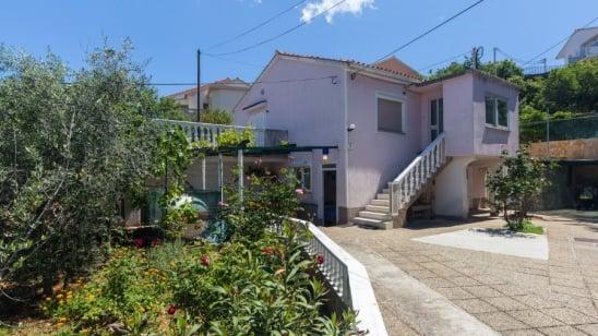 Apartment Marica in quiet position – Vrbnik – Island Krk – Croatia