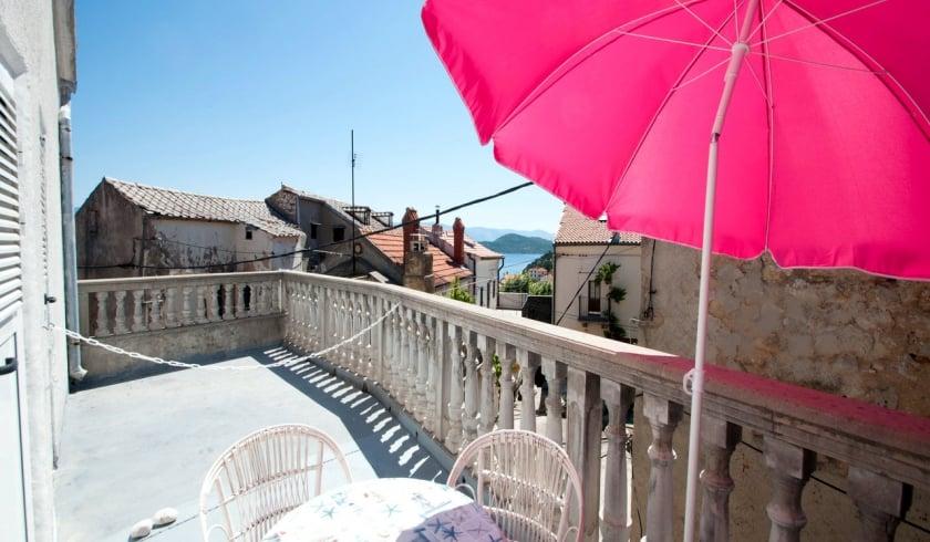 Apartment Potočina in quiet position– Vrbnik – Island Krk – Croatia