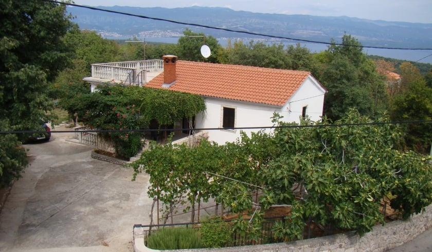 Apartment Sara in quiet position– Risika – Island Krk – Croatia