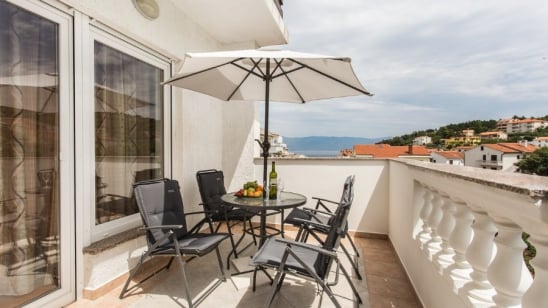 Apartman Denis 1 s pristupom internetu – Vrbnik – Otok Krk –Hrvatska