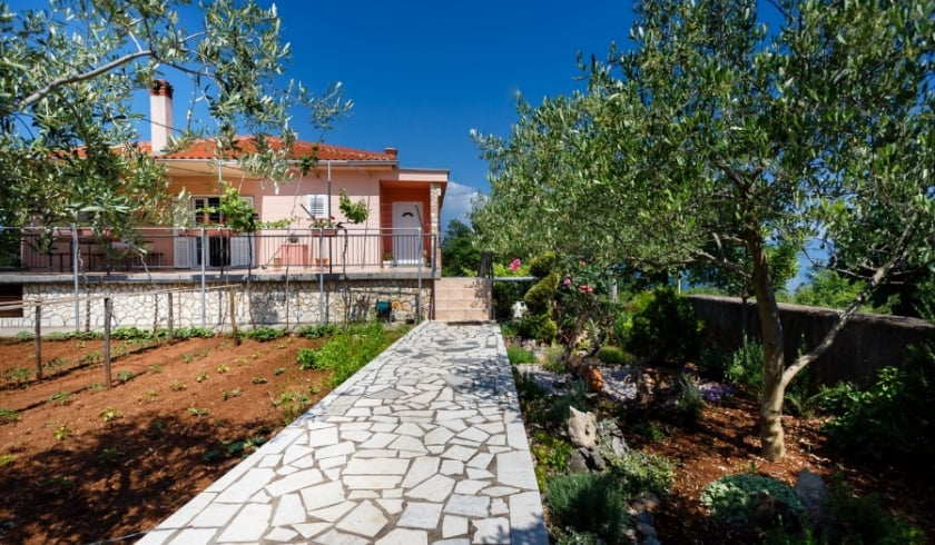 Apartment Anica 2 in village Risika – Island Krk – Croatia