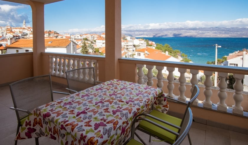Apartment Daniela 1 near the beach–Vrbnik–Island Krk–Croatia