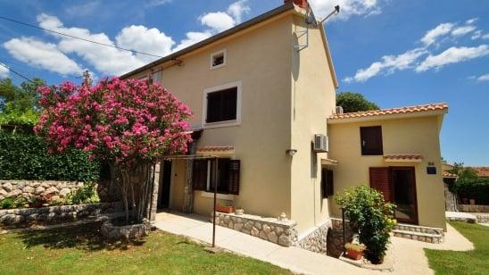 Apartment Tereza in quiet position– Garica – Island Krk – Croatia
