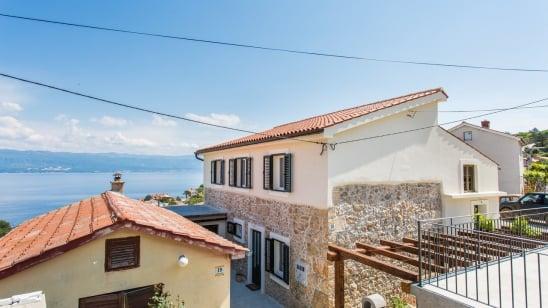 Appartamento Bonaca 1 con vista mare –Vrbnik-isola di Krk–Croazia
