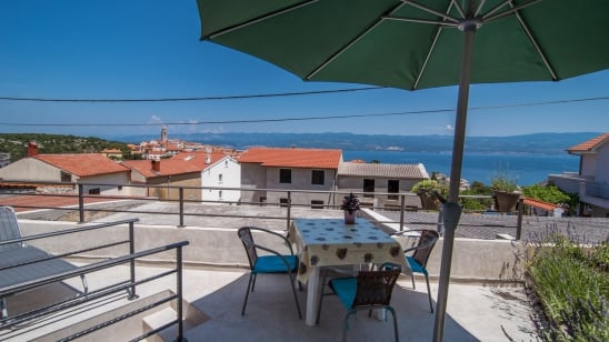 Apartment  Andrija in quiet position– Vrbnik – Island Krk – Croatia