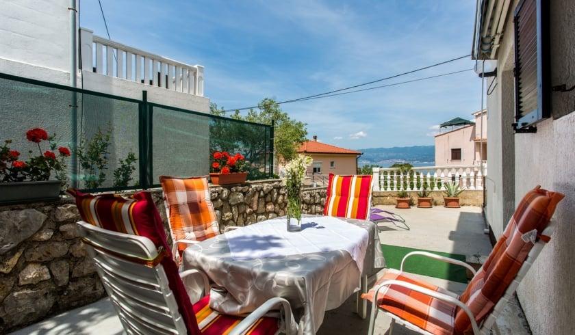 Apartment  Hyacinta in quiet position– Vrbnik – Island Krk – Croatia