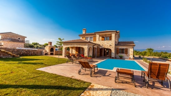 Villa Mare con piscina– Vrh - isola di Krk –Croazia