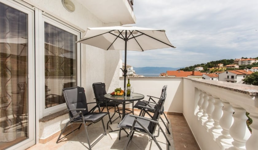 Apartment Denis 1 with Internet connetcion – Vrbnik–Island Krk–Croatia