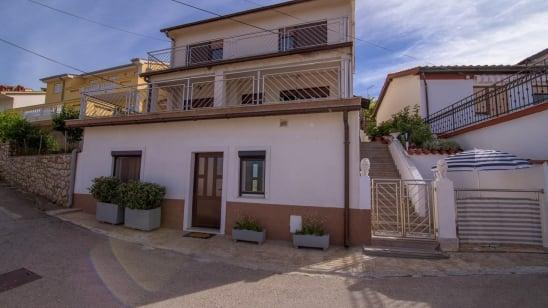 Appartamento Alenka in posizione tranquilla –  isola di Krk – Croazia