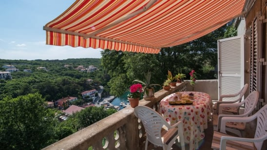 Apartment  Doris in quiet position– Vrbnik – Island Krk – Croatia
