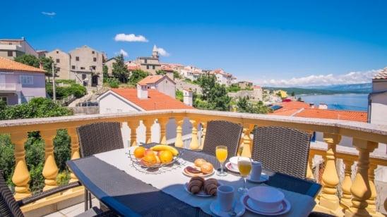 Appartamento Saraga 2 con vista mare – Vrbnik-isola di Krk – Croazia
