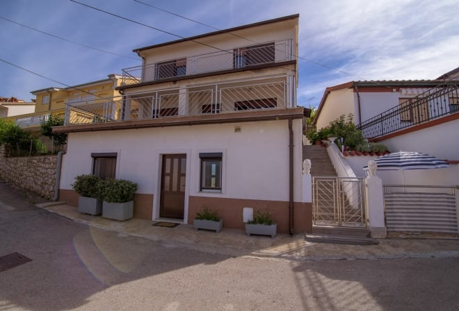 Apartment Alenka in quiet position – Vrbnik–Island Krk-Croatia