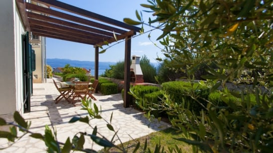 Apartment Iris in quiet position– Vrbnik – Island Krk – Croatia