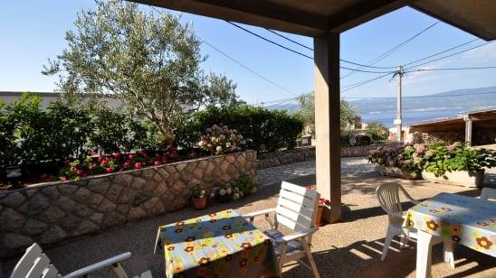 Apartment Grohot in quiet position– Vrbnik – Island Krk – Croatia