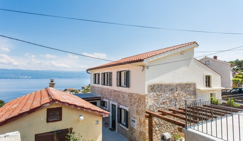 Apartment Bonaca 1 with sea view – Vrbnik – Island Krk–Croatia