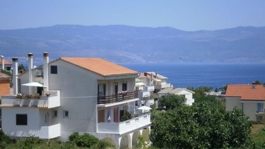 Apartman Megi 1 s pristupom internetu – Vrbnik – Otok Krk –Hrvatska