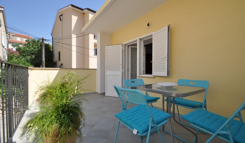 Haus Borna Mit Klimaanlage Vrbnik Insel Krk Kroatien
