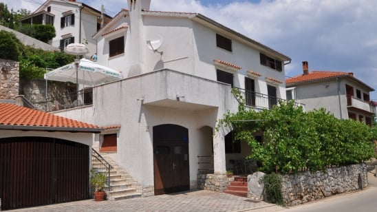 Apartment  Egon in quiet position– Vrbnik – Island Krk – Croatia