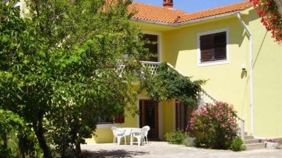 Apartment Jadranka in quiet position– Vrbnik – Island Krk – Croatia